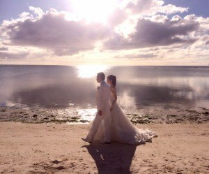 square_233170_wedding3